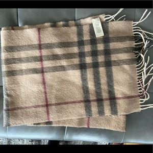 Men's Classic Burberry Cashmere Scarf 🧣